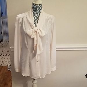 Whitehouse Black Market dressy blouse